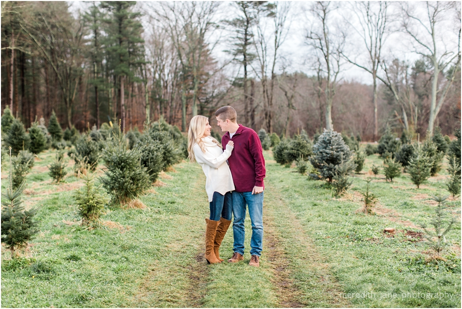 mistletoe_holiday_tree_farm_christmas_boston_massachusetts_engagement_fall_cape_cod_wedding_photographer_Meredith_Jane_Photography_photo_1008.jpg