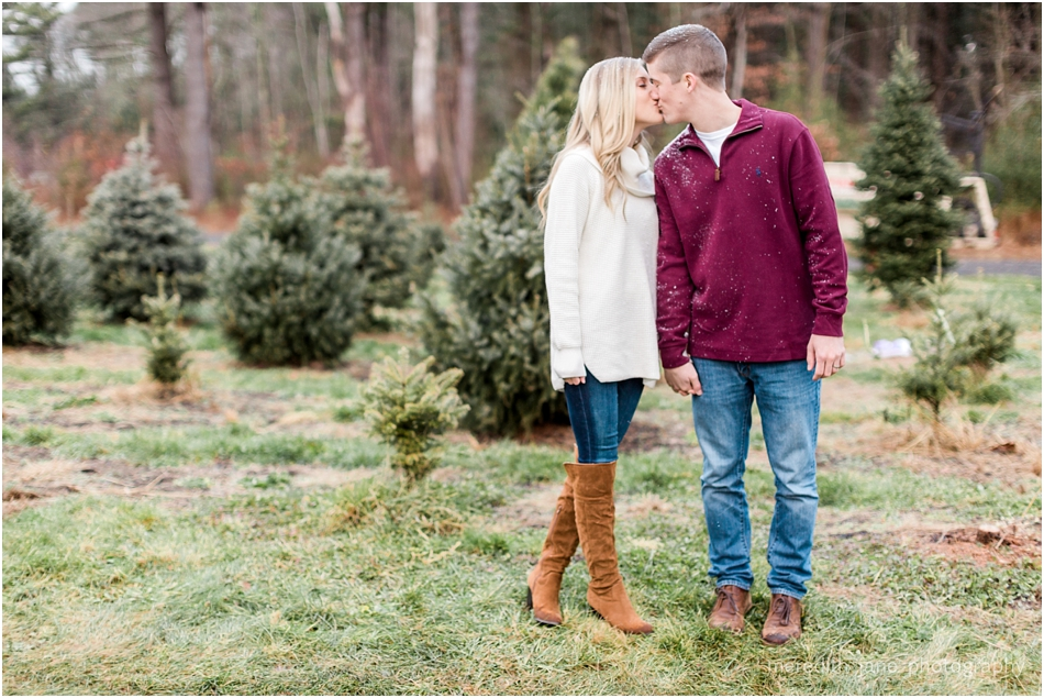mistletoe_holiday_tree_farm_christmas_boston_massachusetts_engagement_fall_cape_cod_wedding_photographer_Meredith_Jane_Photography_photo_1010.jpg