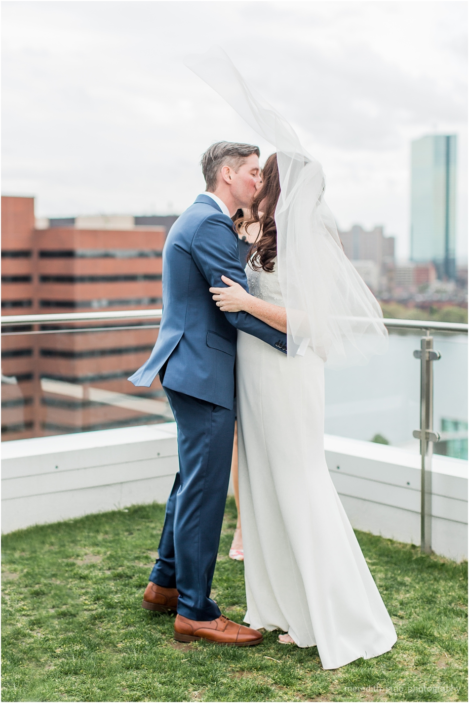 commonwealth_market_restaurant_roofdeck_ceremony_cambridge_boston_massachusetts_cape_cod_new_england_wedding_photographer_Meredith_Jane_Photography_photo_1357.jpg
