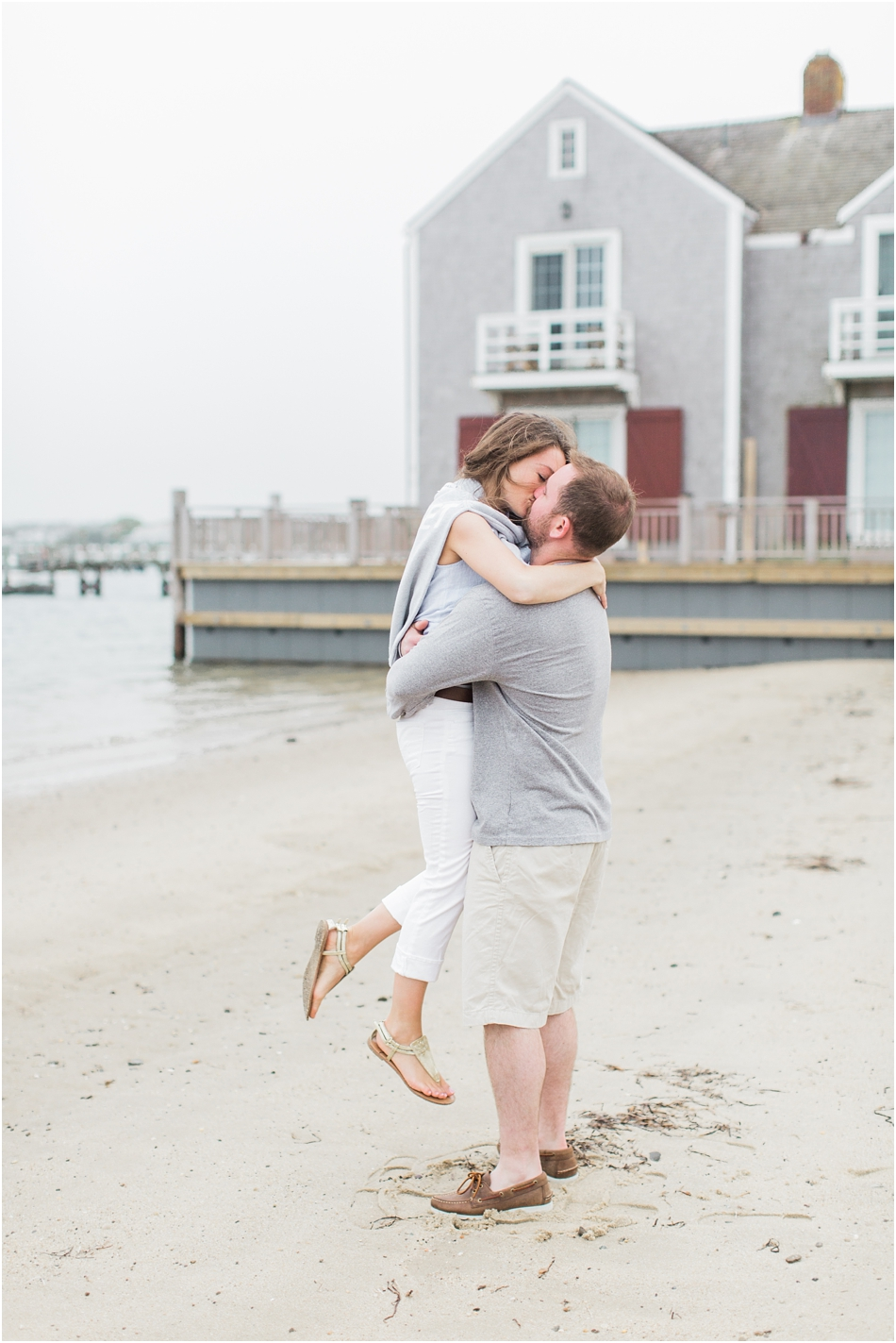 nantucket_engagement_session_downtown_bike_basket_breezer_downtown_8_boston_massachusetts_cape_cod_new_england_wedding_photographer_Meredith_Jane_Photography_photo_1439.jpg