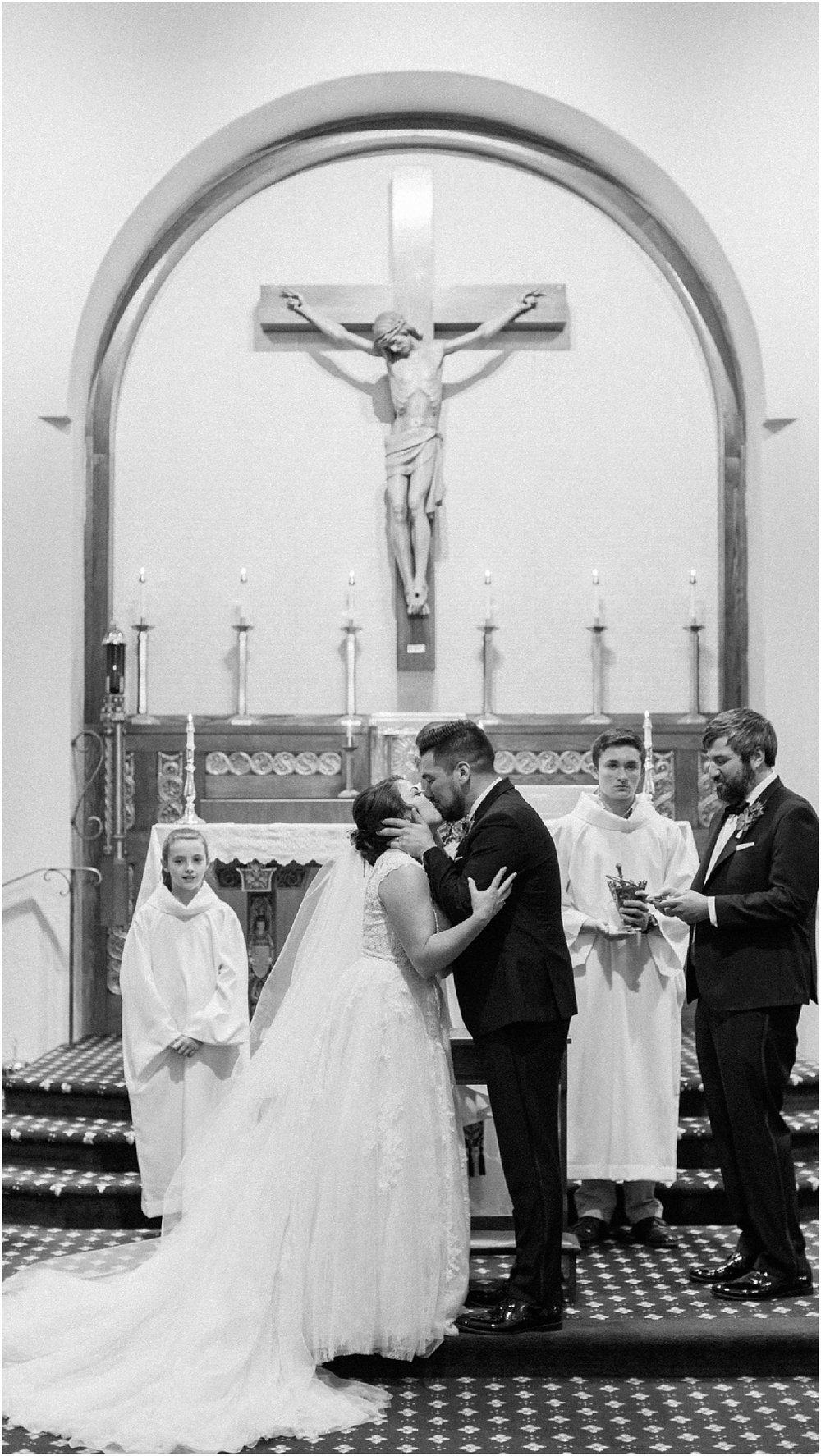 courtney_kurt_cape_cod_popponessett_inn_dowses_beach_boston_wedding_meredith_jane_photography_photo_0034.jpg