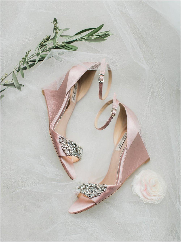 courtney_kurt_cape_cod_popponessett_inn_dowses_beach_boston_wedding_meredith_jane_photography_photo_0068.jpg