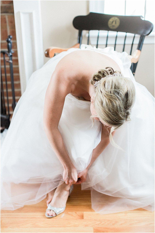samantha_anthony_sam_old_scituate_light_barker_tavern_south_shore_cape_cod_boston_wedding_photographer_meredith_jane_photography_photo_0276.jpg
