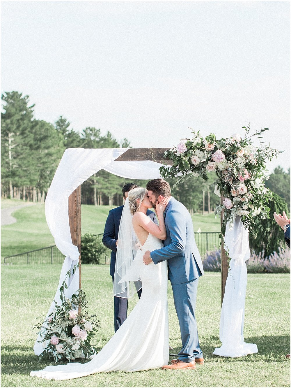 lindsey_paul_indian_pond_country_club_wild_dahlia_brewster_gardens_plymouth_cape_cod_boston_wedding_photographer_meredith_jane_photography_photo_0389.jpg