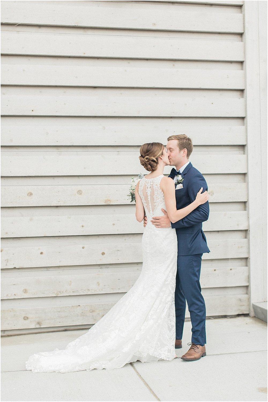 kelly_zach_cruisport_gloucester_ma_bass_rocks_cape_cod_boston_wedding_photographer_meredith_jane_photography_photo_0657.jpg