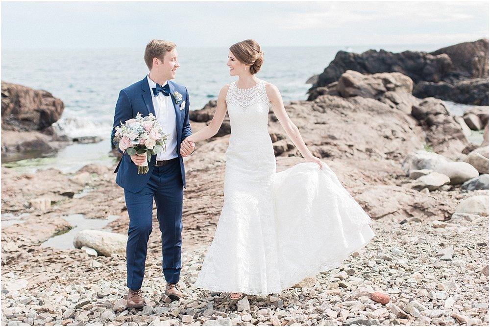 kelly_zach_cruisport_gloucester_ma_bass_rocks_cape_cod_boston_wedding_photographer_meredith_jane_photography_photo_0681.jpg
