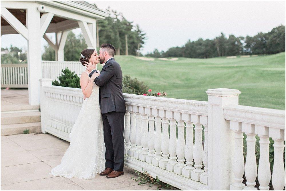 kim_matt_indian_pond_country_club_fall_burgundy_cape_cod_boston_wedding_photographer_meredith_jane_photography_photo_1000.jpg