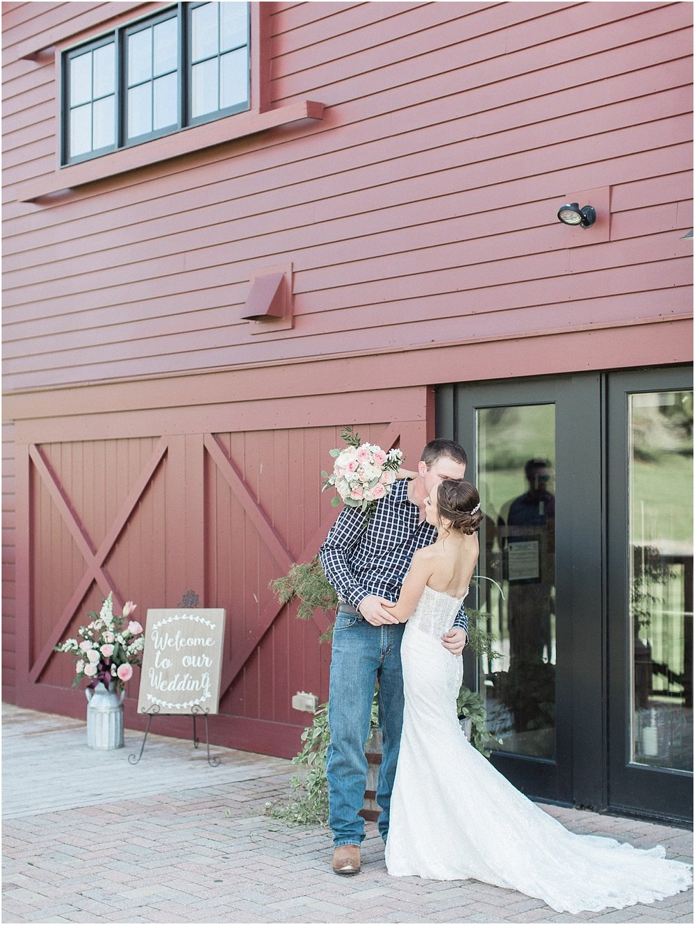 jackie_brad_barn_at_gibbett_hill_country_yellow_lab_fall_burgundy_cape_cod_boston_wedding_photographer_meredith_jane_photography_photo_1020.jpg