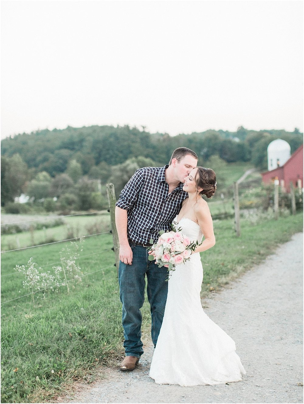 jackie_brad_barn_at_gibbett_hill_country_yellow_lab_fall_burgundy_cape_cod_boston_wedding_photographer_meredith_jane_photography_photo_1058.jpg