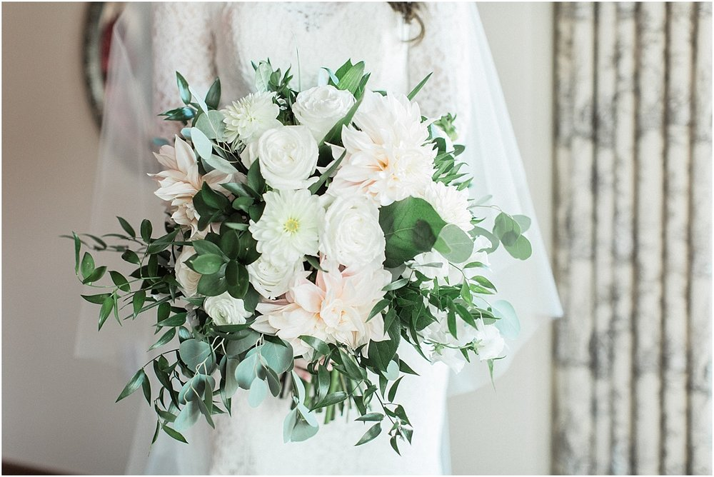christina_frank_the_pavilion_at_pine_hills_fall_wine_cape_cod_boston_wedding_photographer_meredith_jane_photography_photo_1225.jpg