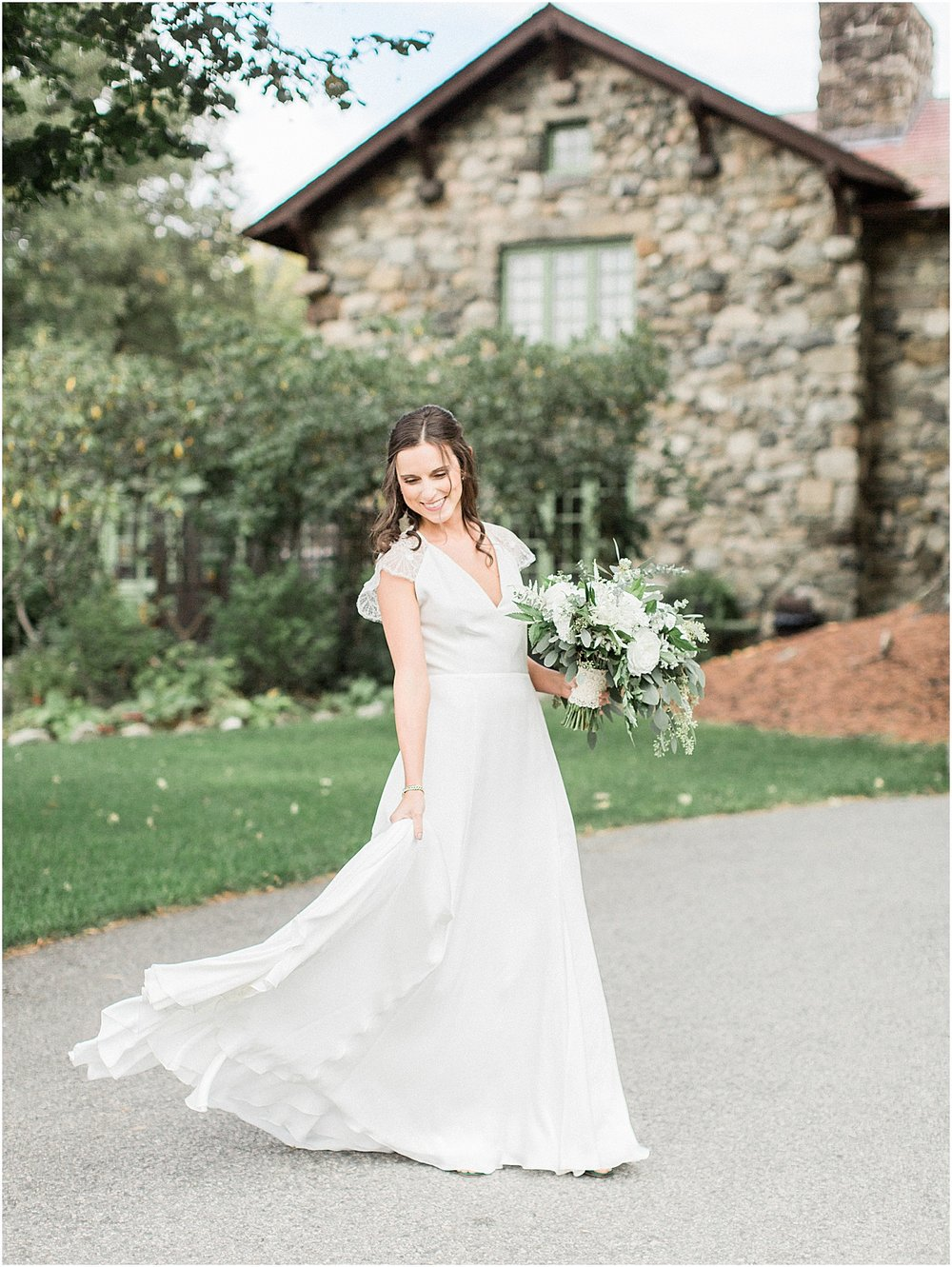 jenna_mike_willowdale_estate_topsfield_neutral_whites_greens_fall_cape_cod_boston_wedding_photographer_meredith_jane_photography_photo_1442.jpg