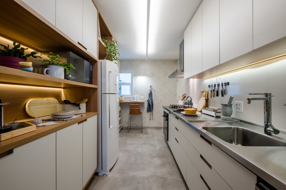macroarq_arquitetura_interiores_projeto_reforma_apartamento_sao_paulo_cozinha_compacta_pia_em_inox_ladrilho_hidraulico_bancada_retratil.jpg