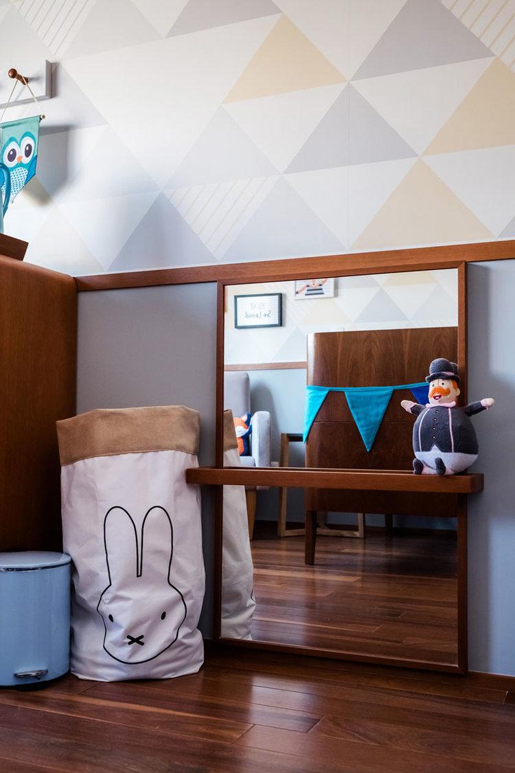macroarq_arquitetura_interiores_projeto_reforma_apartamento_sao_paulo_quarto_de_bebe_decoração_infantil_papel_de_parede_piso_de_madeira_espelho_infantil.jpg