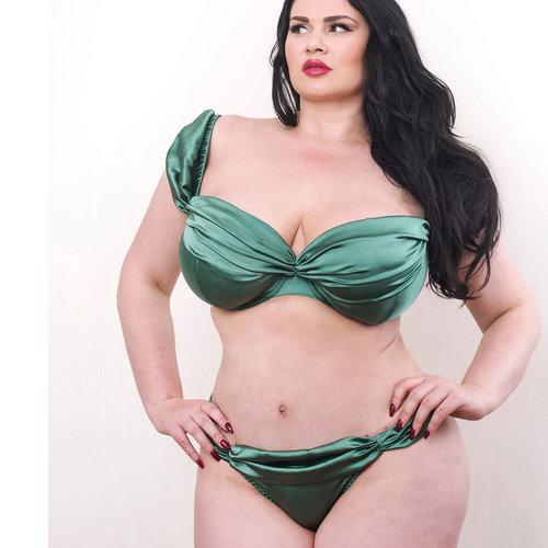 059811851ca46 curvy-emerald-green-silk-plus-size-lingerie-bra-