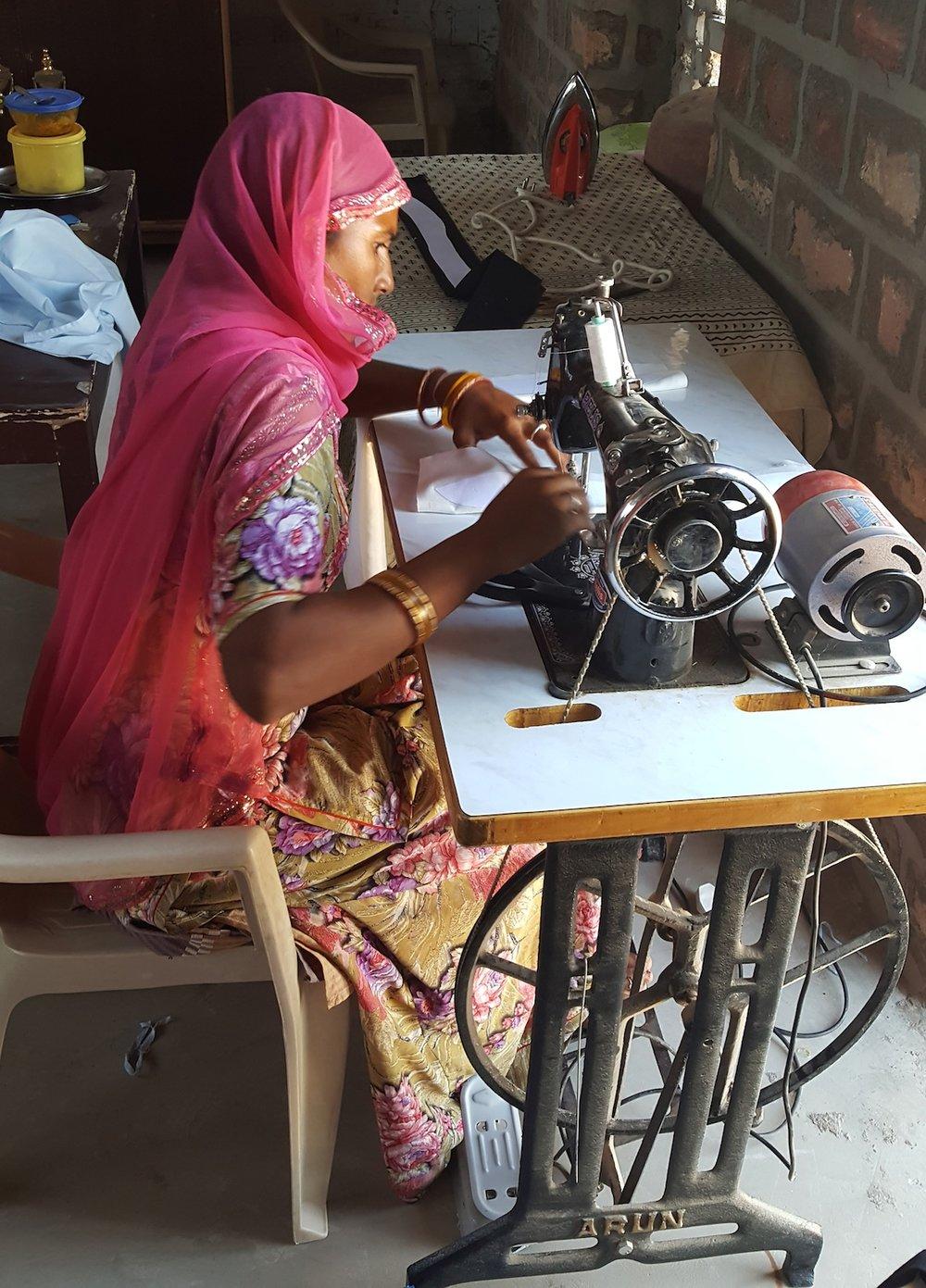 Teller - Leeila sewing