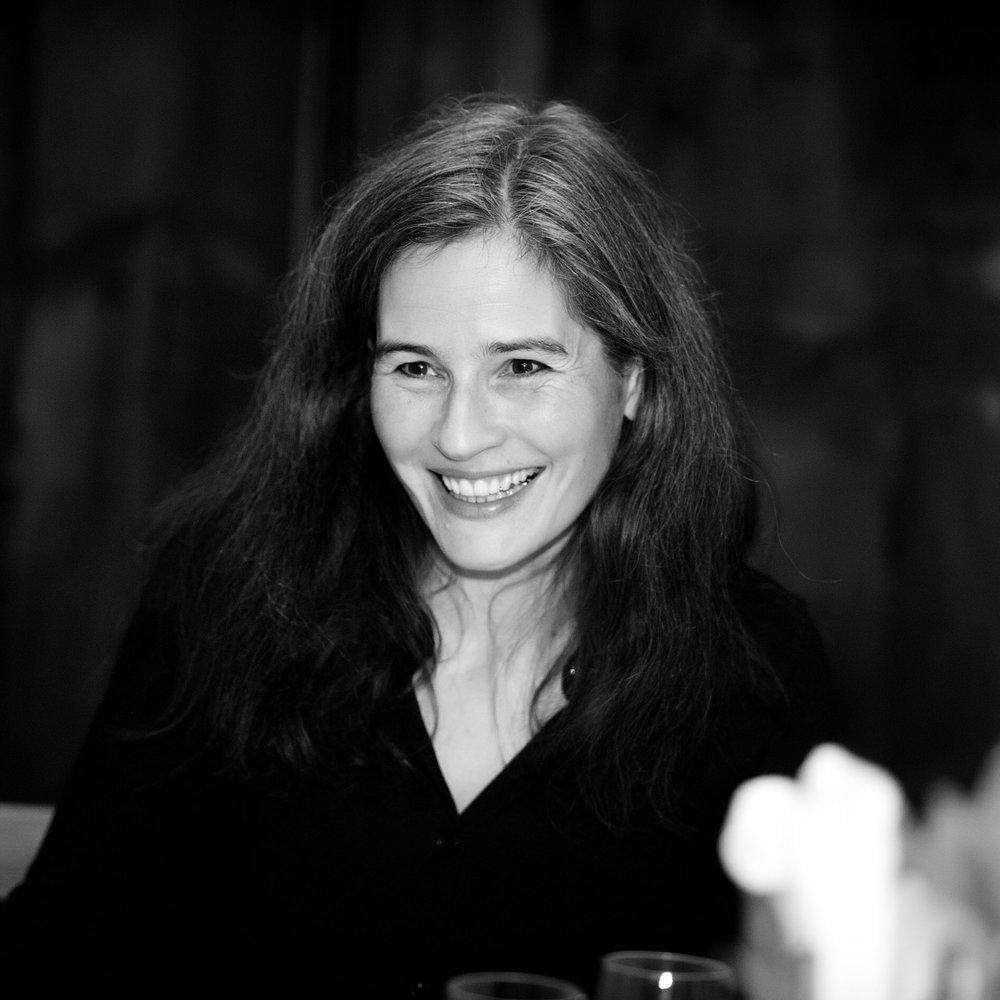 Dr. Natalie Knapp  [anders denken]  Berlin