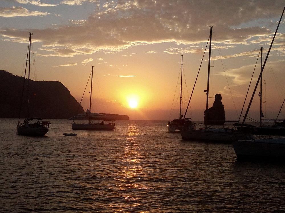ibiza-daysailing sunset benirass