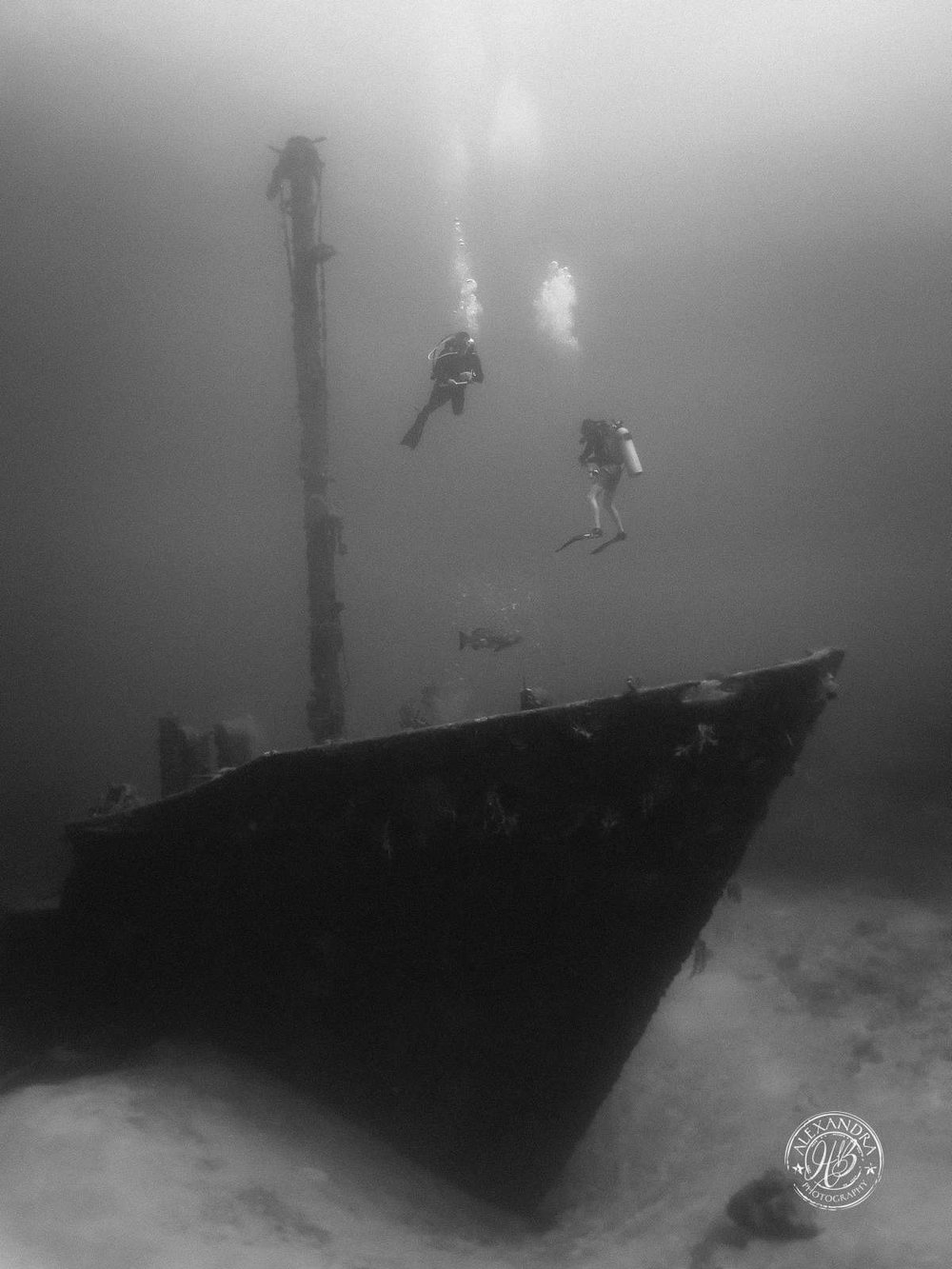 El Aguila Wreck bow b&w (May '16) (1 of 1).jpg
