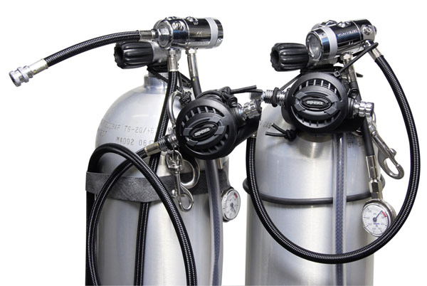 Sidemount tanks for rent with regulators and rigging.
