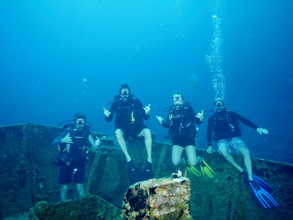 The crew at El Agila wreck.