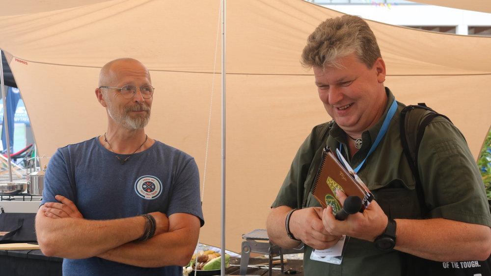 Kokki Stefan Lundgrenia hymyilyttää, kun haastattelussa toimittajaa rupeaa naurattamaan.
