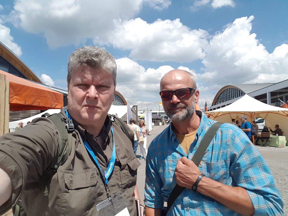 Messuilla kiersin muutamalla osastolla ruotsalaisen Johan Skullmanin kanssa.