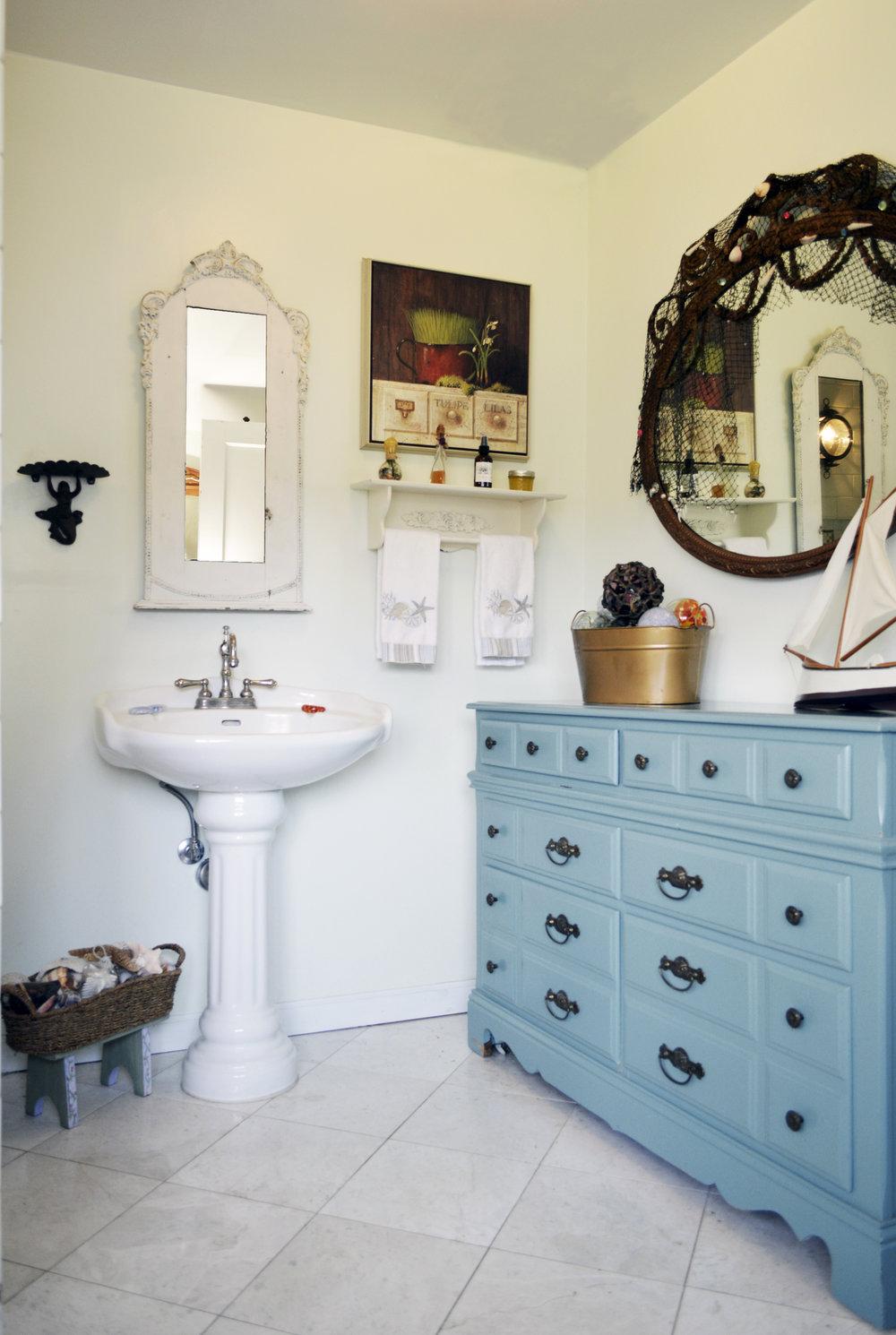 Tree Frog Kitchen & Bath Design — Cottage Style Bathroom