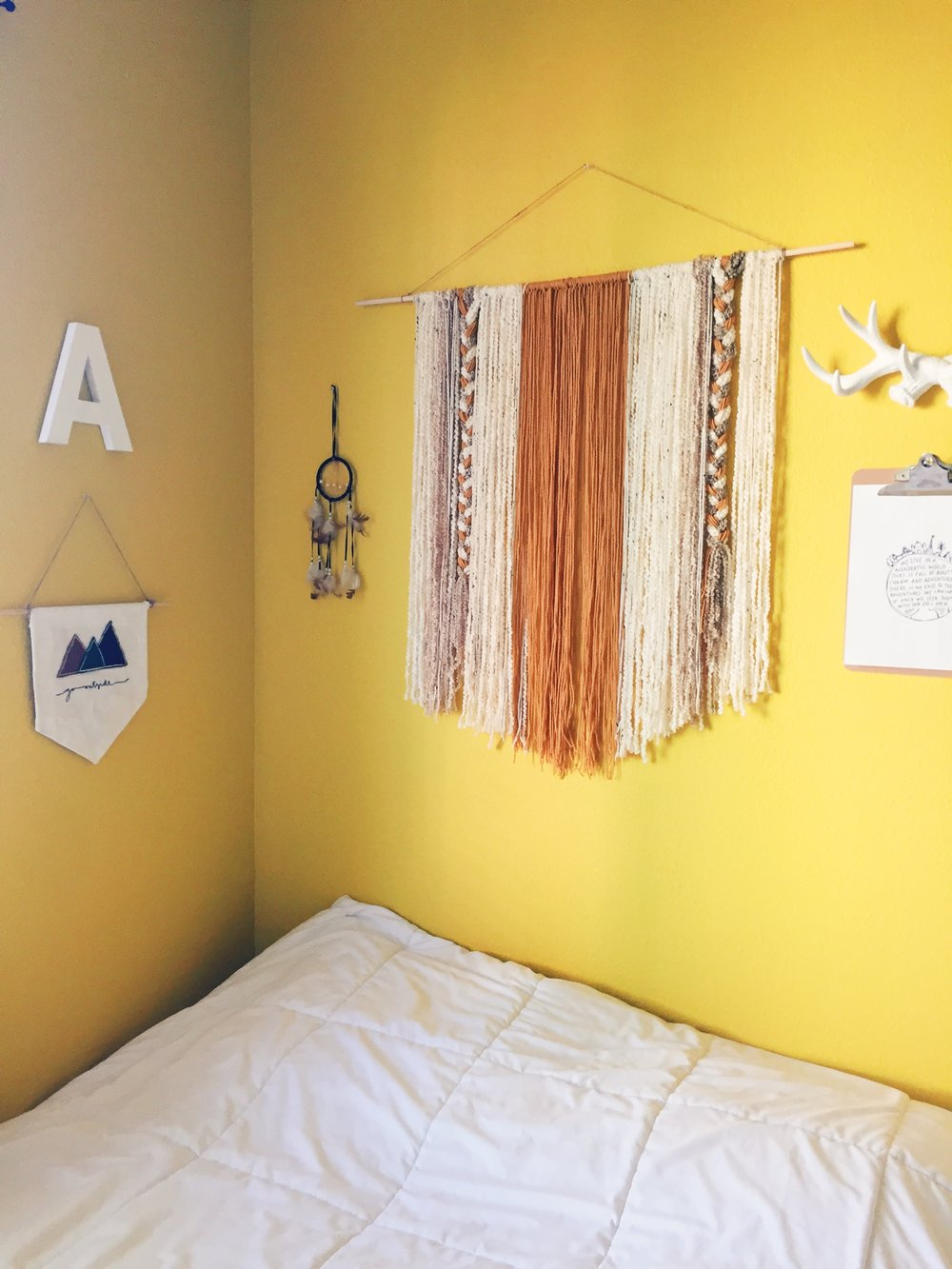 DIY Yarn Wall Decor — DARLING DELA