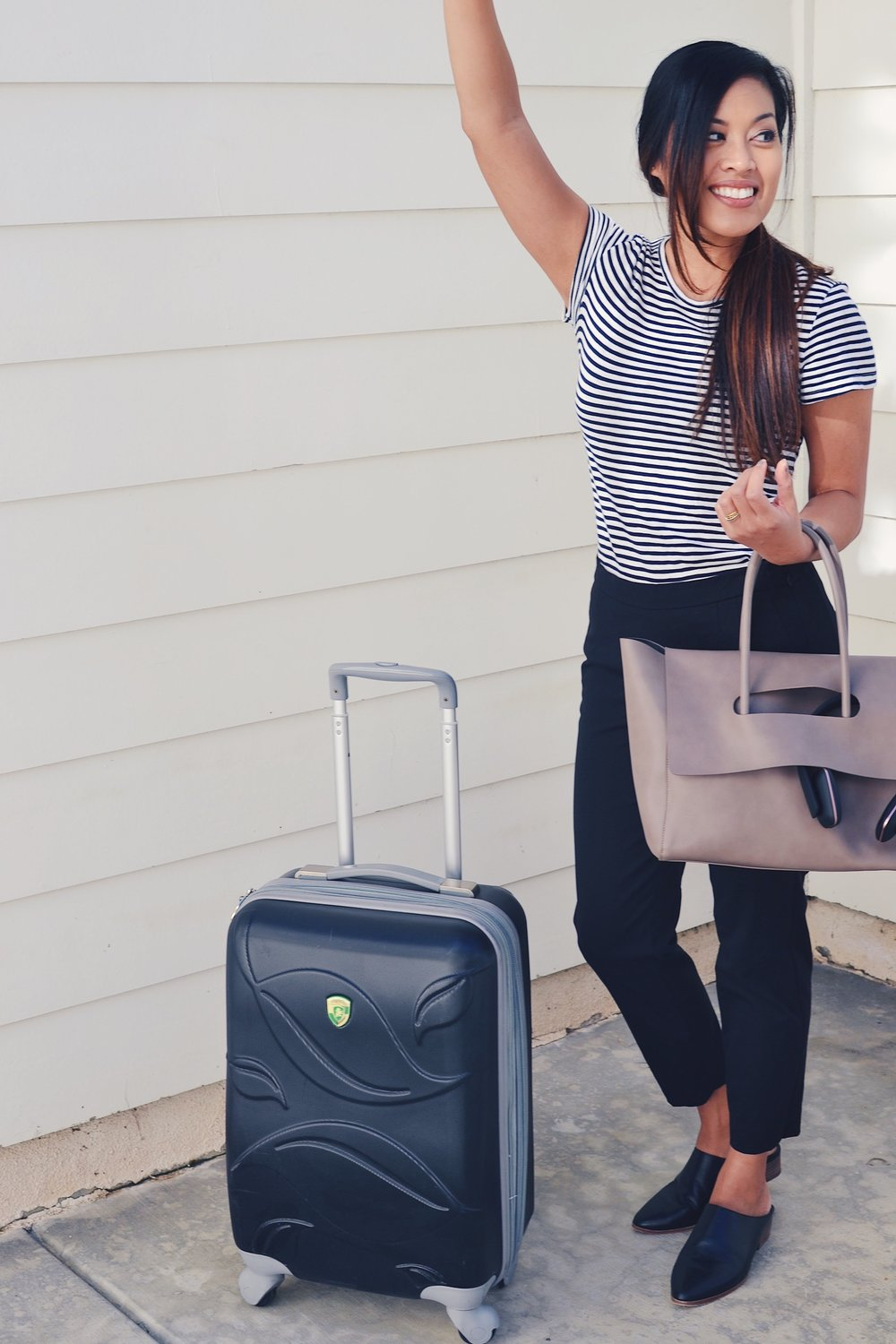 Comfy & classy airport outfit