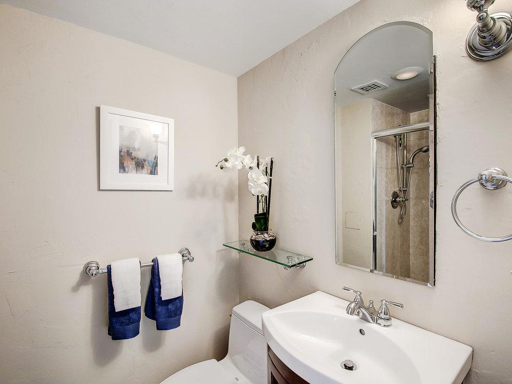 3100 Cherry Creek S Dr Unit-MLS_Size-006-4-Bathroom-2048x1536-72dpi.jpeg