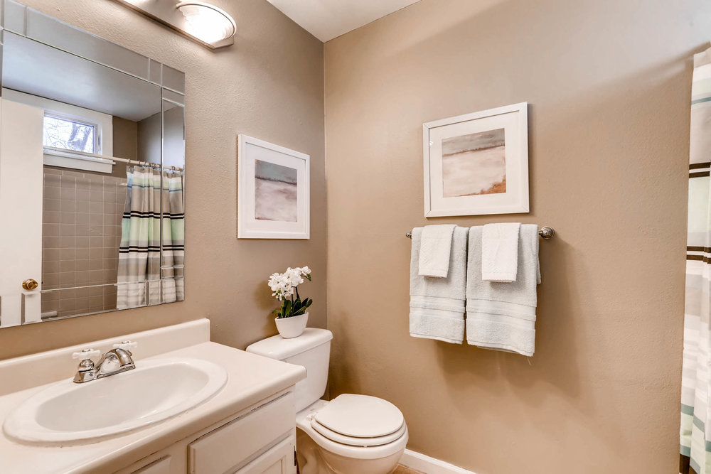 1160 Somerset St Lafayette CO-print-024-17-2nd Floor Bathroom-2700x1800-300dpi.jpg
