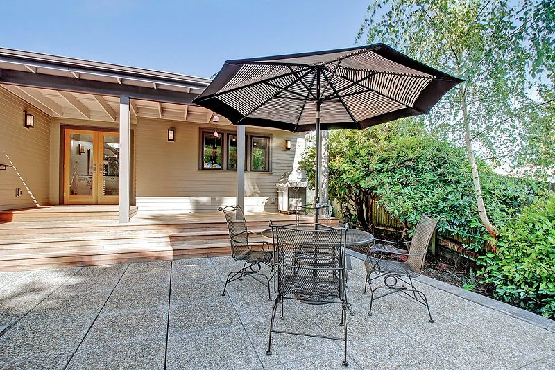 seattle-remodel-hhills-patio.jpg