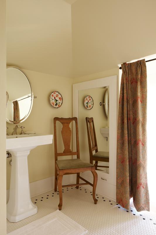 seattle-remodel-queen-anne-attic-bathroom-LR.jpg