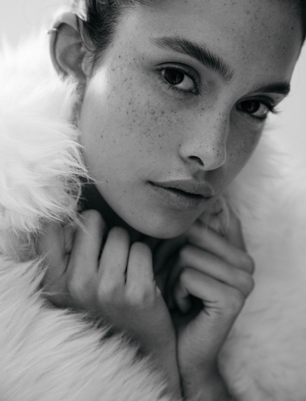 Zoe Barnard | IMG Models