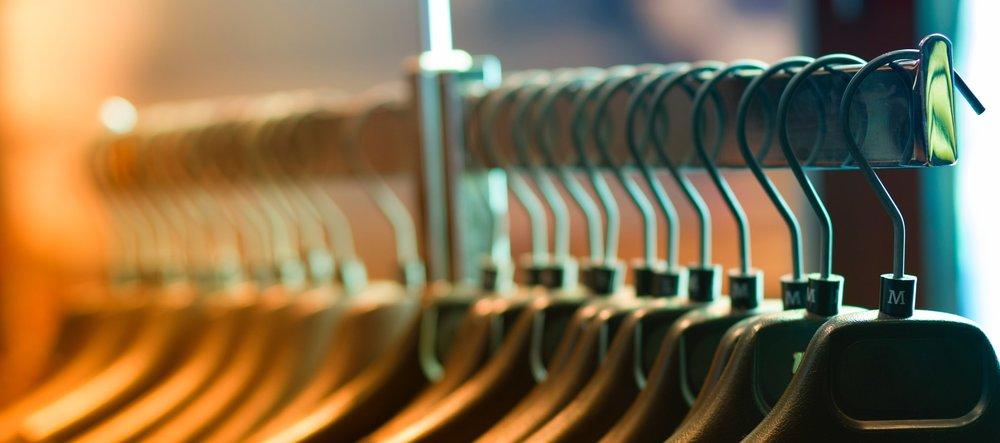 closet-clothes-hangers-102129.jpg