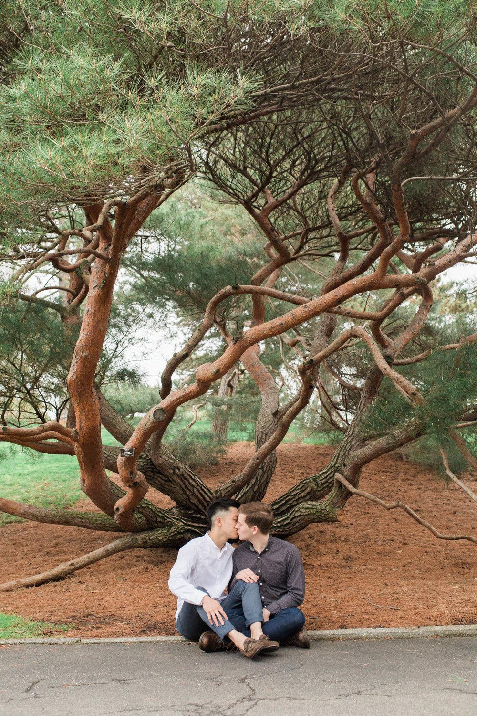 new-york-botanical-gardens-cherry-blossom-engagement-11.jpg