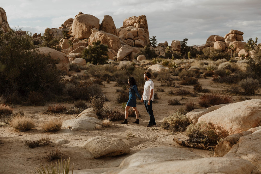joshua-tree-adventurous-engagement-photographer-38.jpg