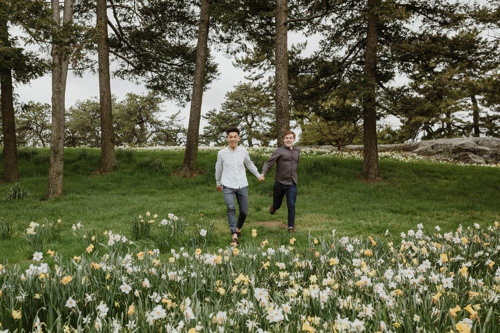 new-york-botanical-gardens-cherry-blossom-engagement-34.jpg