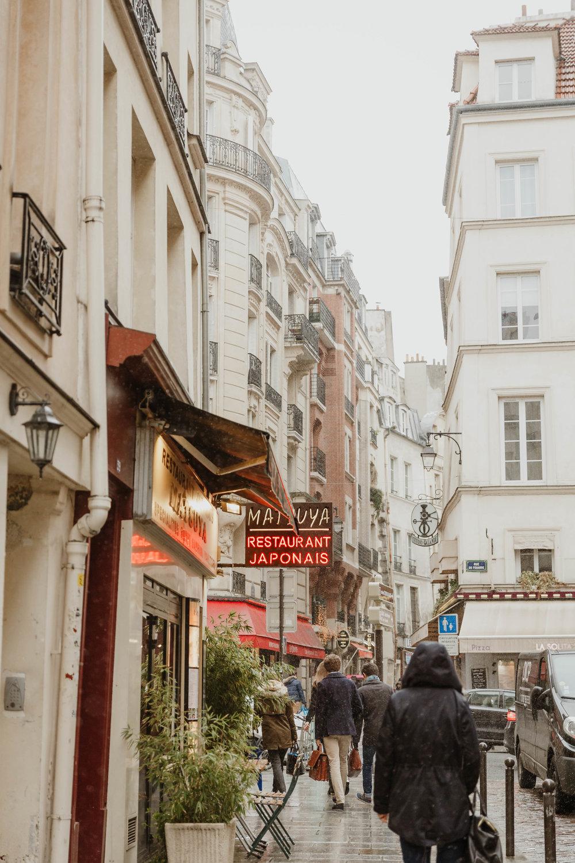 honeymoon-in-paris-elizabeth-tsung-photo