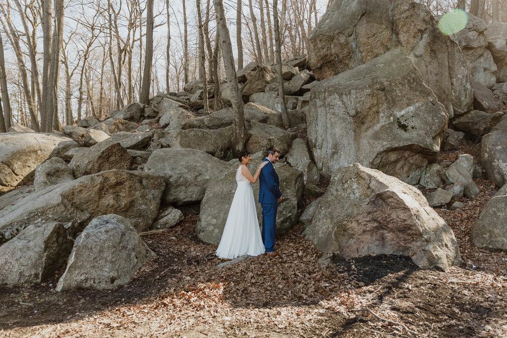bear-mountain-inn-rustic-wedding-photographer-11.jpg