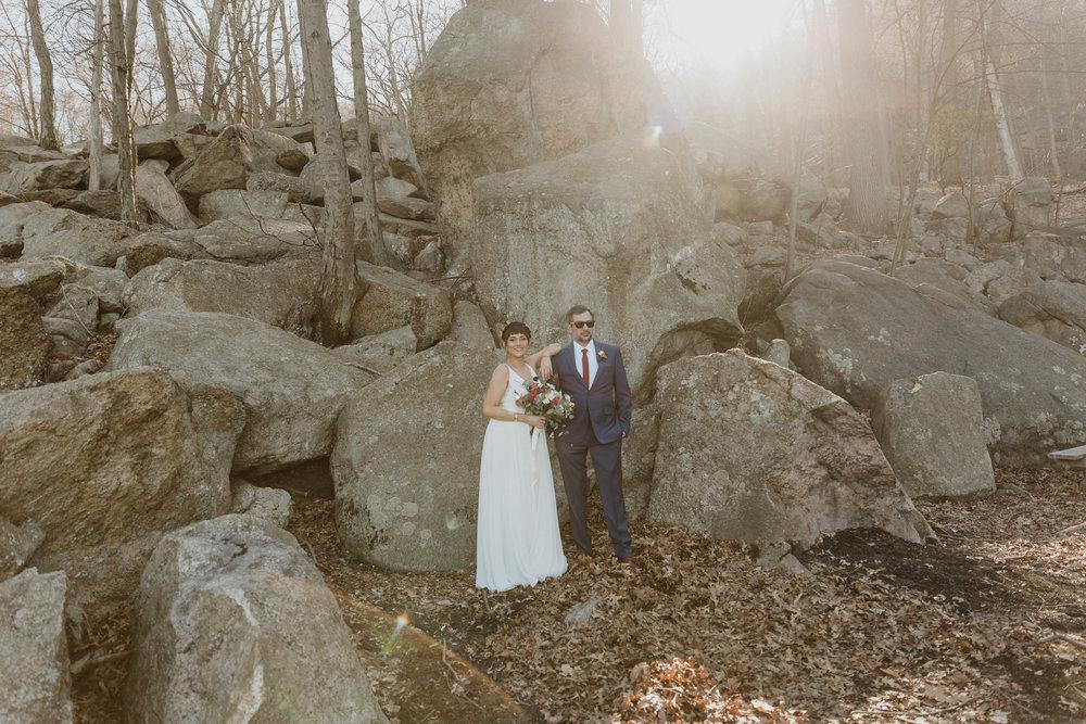 bear-mountain-inn-rustic-wedding-photographer-19.jpg