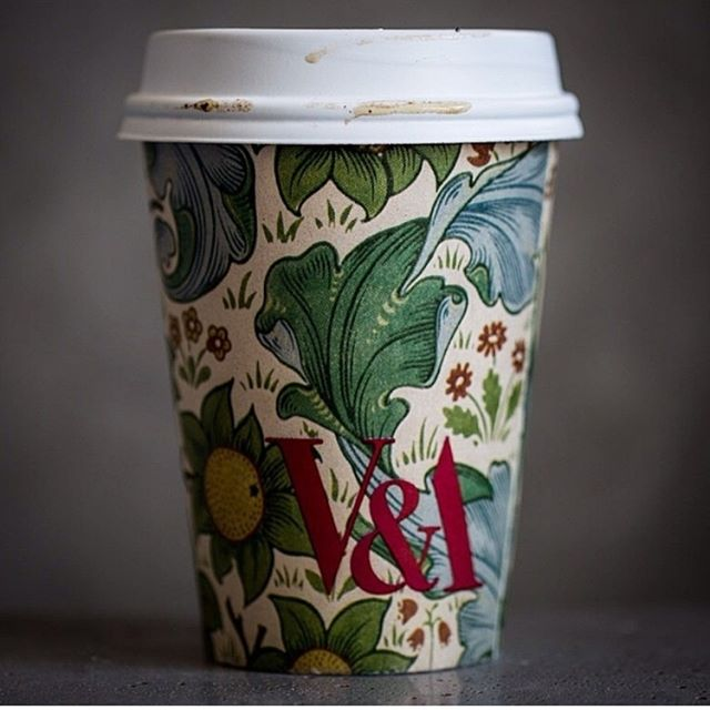 Victoria and Albert would approve this choice of cup pattern. Credits: @coffee_cups_ig