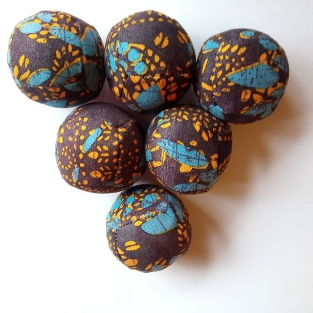 www.etsy.com/listing/670041845  #juggler #balls #newtoys #malabares #forsale #trianglesofinstagram