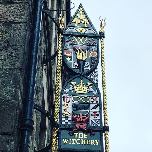 Very appropriate photo to share this month! Seen on the walk to Edinburgh Castle in Scotland 🎃 ... #thewitchery #scotland #glt #girlslovetravel #✈️ #🎃 #witchery #castles #history #edinburgh #octobers