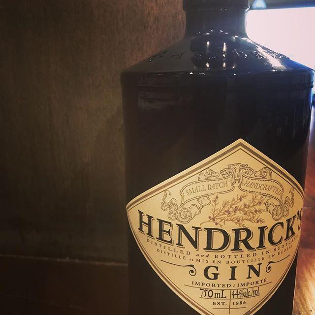 When @hendricksgin is your rail #gin for cocktails THURSDAYS  #cocktails #drinkspecials #drinks🍹 #drinkswithfriends #yowdrinks #yow #glebe #bankstreet #ottawarestaurants #springtime #gintimesaregoodtimes #gintime #thursdaymotivation #thursdaythoughts #thirstythursdays