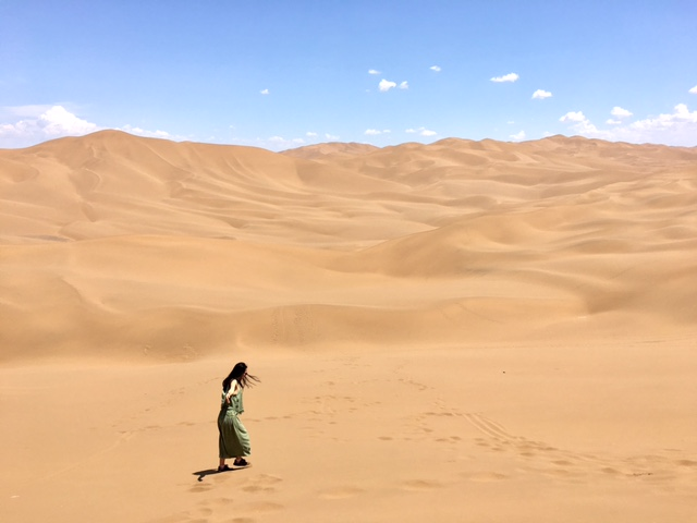 Are we meant to figure out life by ourselves? (photo taken in Kutag desert in Xinjiang by Anjali)