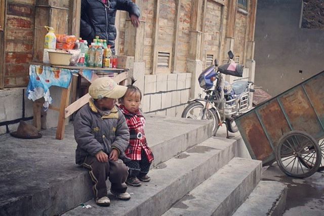 Children of Tibet 📸Countryside in Tibet, many moons ago  #travel #photography #instatravel #anjalilove #poetrynphotography