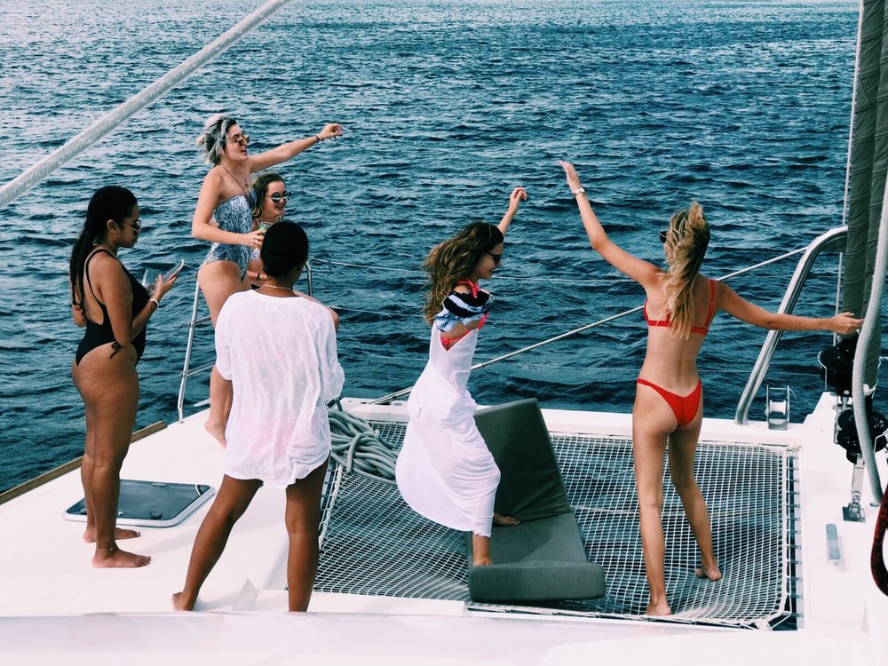 friends.birthday.boat.coolrunnings.catamaran.barbados.blog.blogpost.dancing.caribbean.