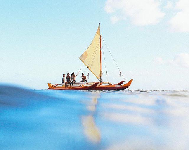 See the line where the sky meets the Sea 🌊  #anywherealoha @olukai . 📷 @markkushimi