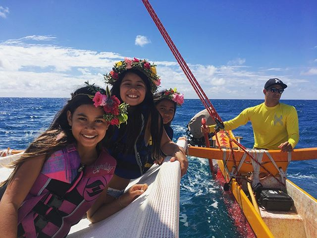 Mini Moana 🌺Monday , Happy 10th Birthday Capri 💐mahalo for bringing your friends out for a sail on your special day 📸 @fitted